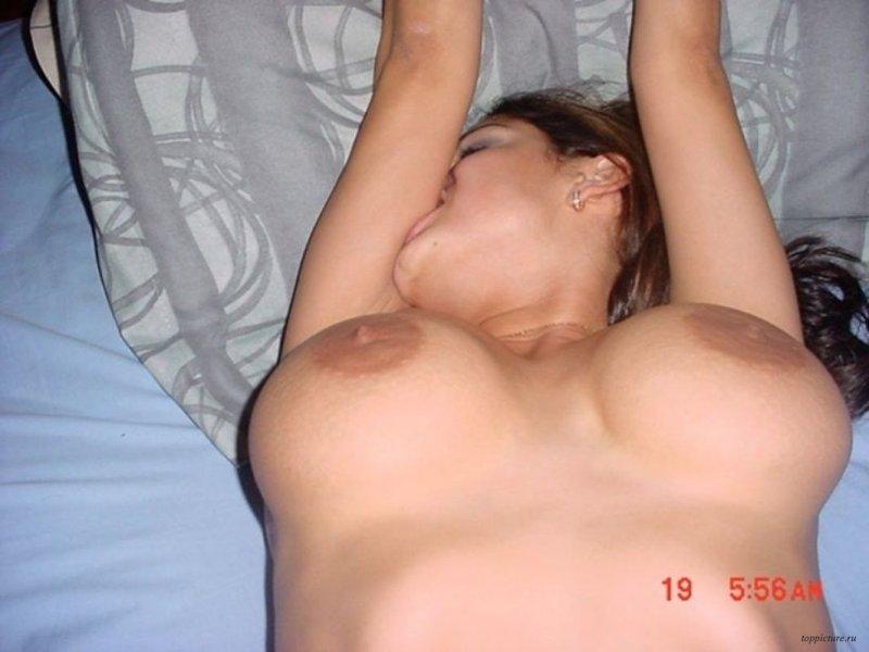 смотреть порно фильм грудастые домохозяйки