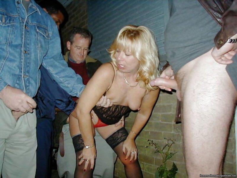 секс прямо на улице фото